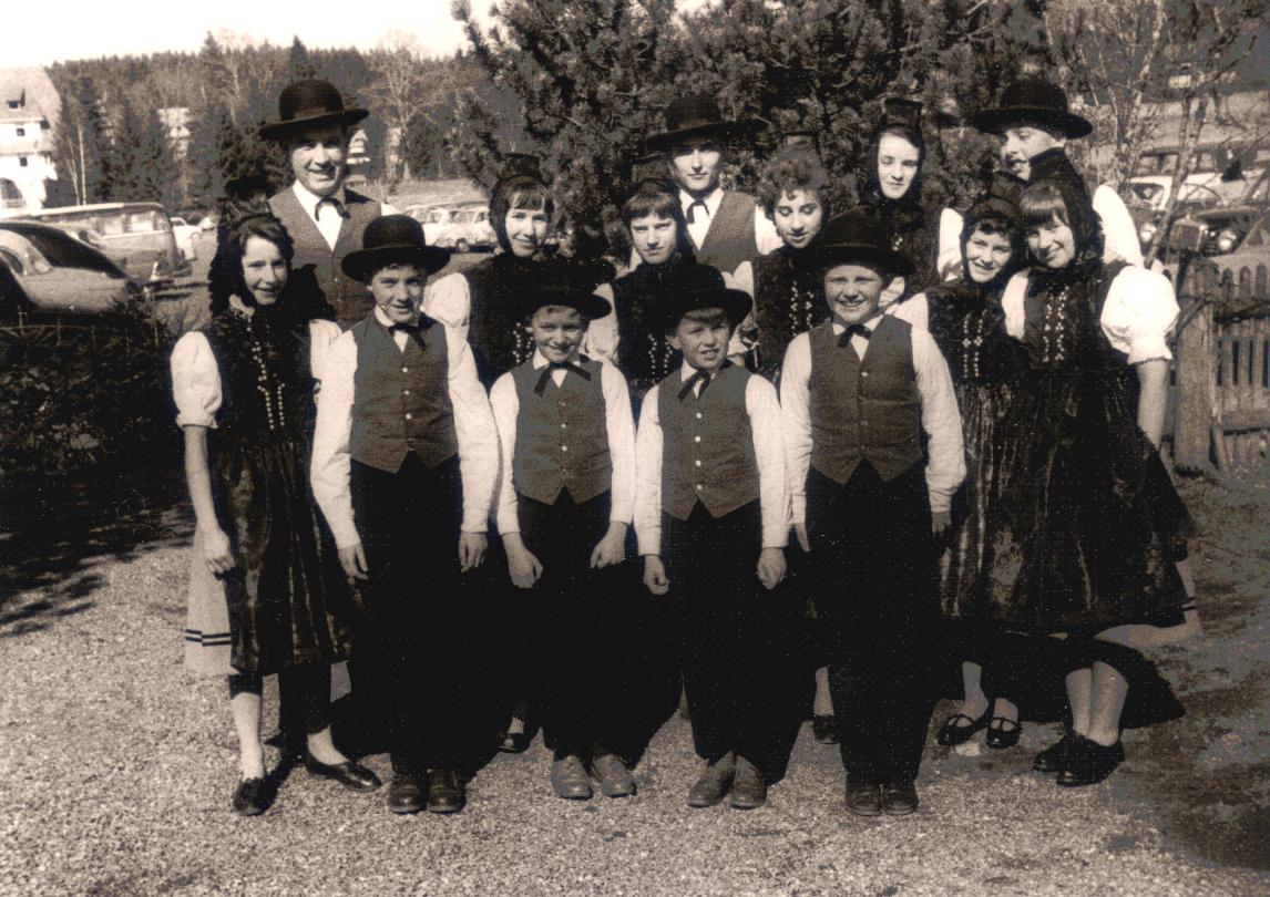1. Bild in Schwarzwälder Tracht - 1959